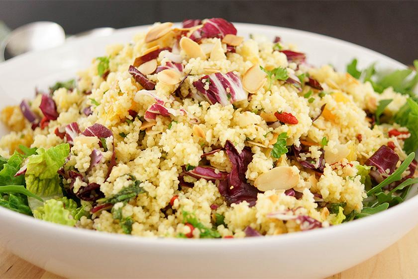 Couscous-Salat mit Orangen, Minze, Petersilie und Mandeln Rezepte
