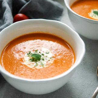 Tomaten-Orangen-Suppe mit Thymian und Sahne, gesunde einfache Rezept