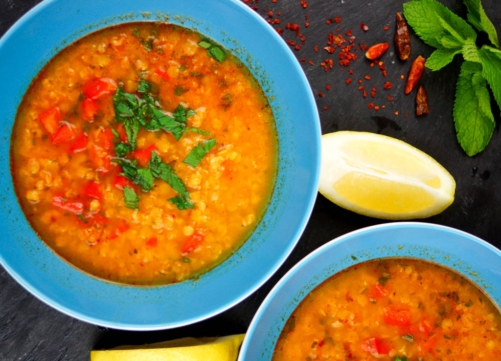 Spicy Red Lentil Soup with Bulgur, Red Pepper & Mint