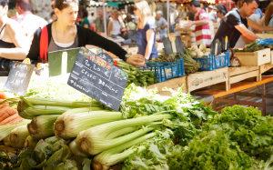 Sellerie auf dem Markt