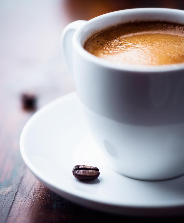 Espresso mit Kaffeebohne