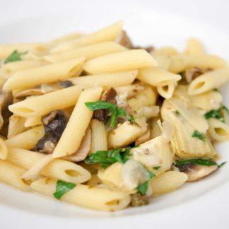 Pasta mit Artischocken und wilden Pilzen