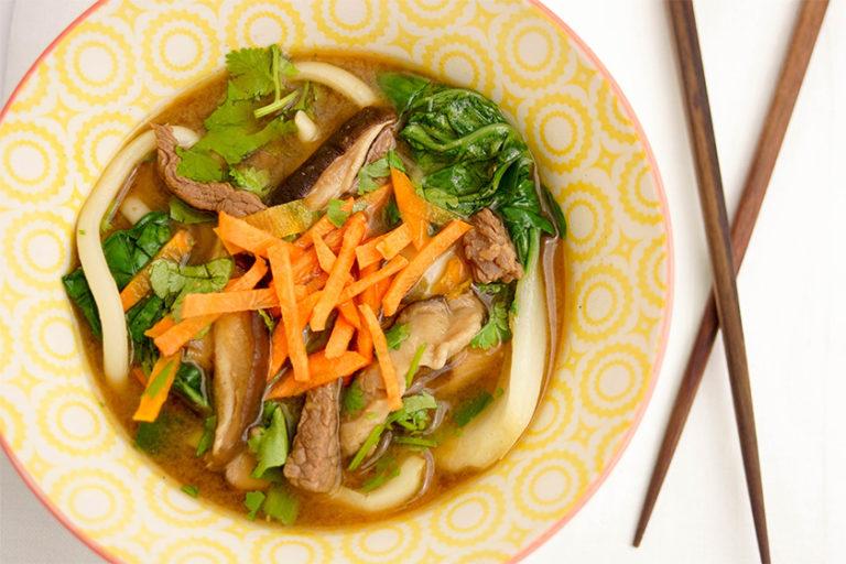 Miso-Suppe mit Rindfleisch und Shiitake-Pilzen