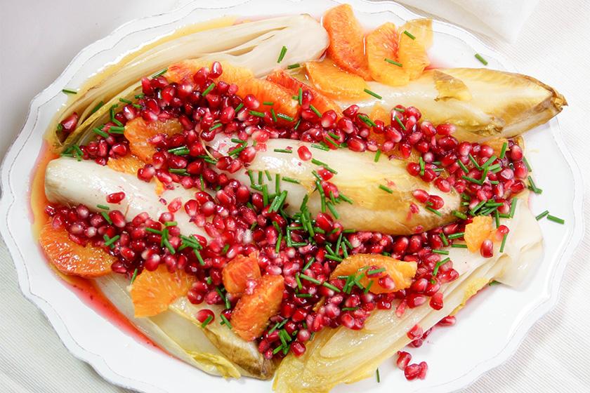Chicorée gebraten mit Blutorange und Granatapfelkernen von Elle Republic