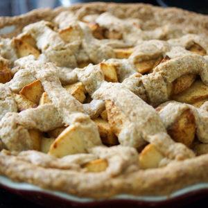 Dinkel Vollkorn Apfelkuchen mit Vanilla Pudding von Elle Republic