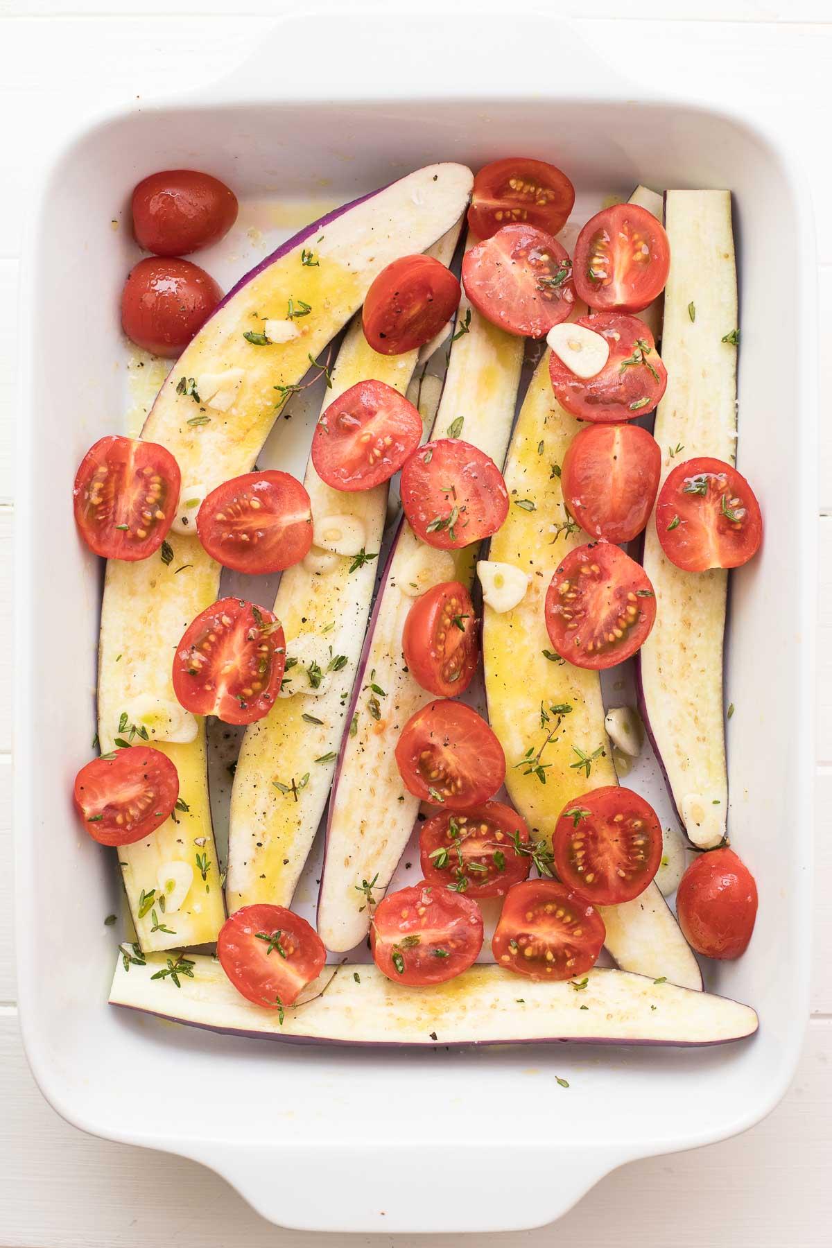 Mini-Auberginen mit Cherry-Tomaten