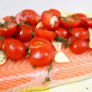 Lachs mit Tomaten und Thymian, Abnehmen mit natürlichen Lebensmitteln