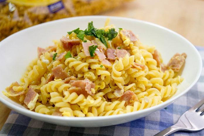 German Ham and Egg Noodles (Schinkennudeln)