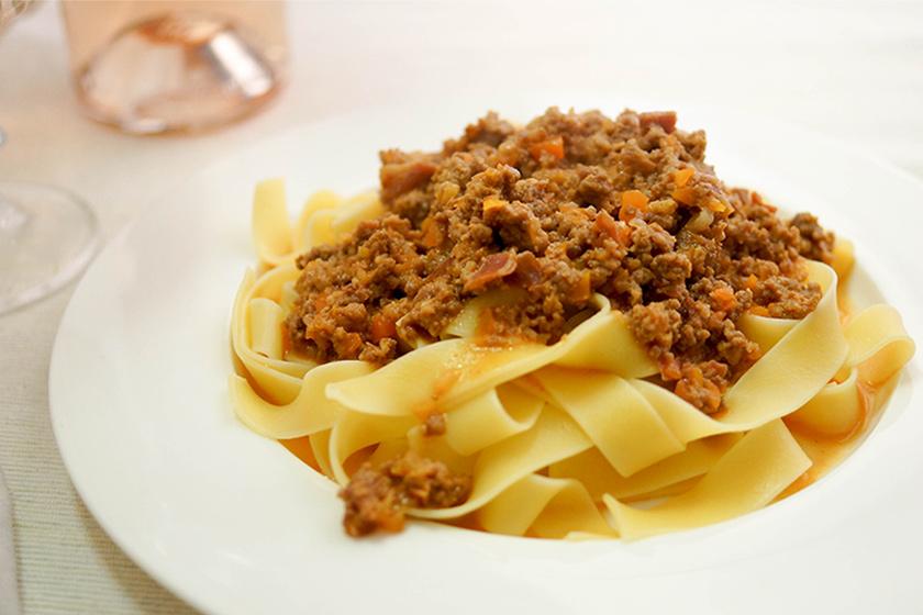 Tagliatelle al Ragù (klassische Bolognese) mit Kalbfleisch