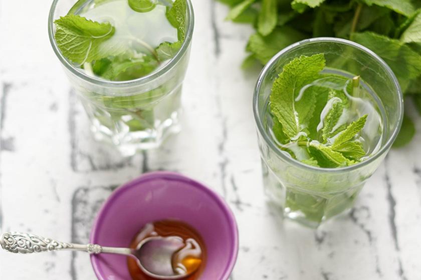 Wasser mit Minze, Abnehmen mit natürlichen Lebensmitteln
