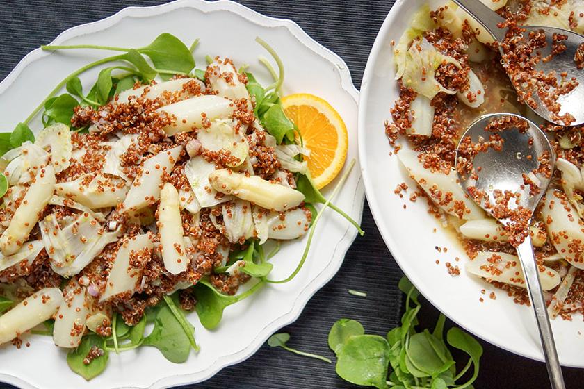 Quinoa- und Postelein-Salat mit weißem Spargel und Fenchel