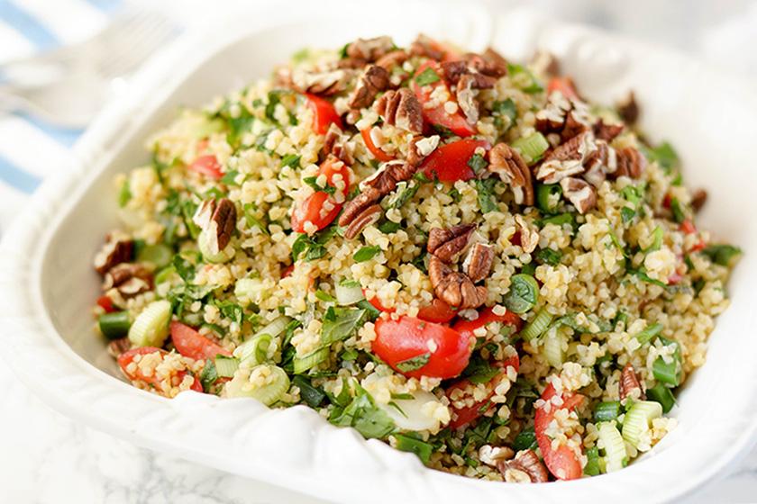 Bulgur-Salat mit frischen Kräutern und Zitrone von Elle Republic