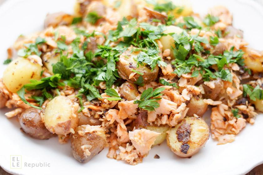 Bratkartoffeln mit geräuchertem Lachs