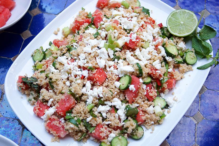 Geminzter Couscous Salat mit Wassermelone und Mini Gurken