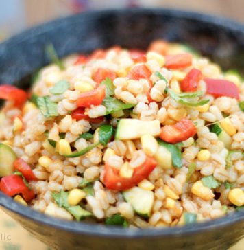 Rollgerste Salat mit geröstetem Mais