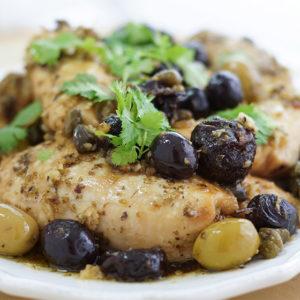 Hähnchen Marbella, Chicken Marbella, Huhn Eintopf, Hähnchentopf, mit Oliven, Kapern, Pflaumen
