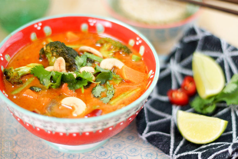 Vegetarisches Rotes Thai Curry
