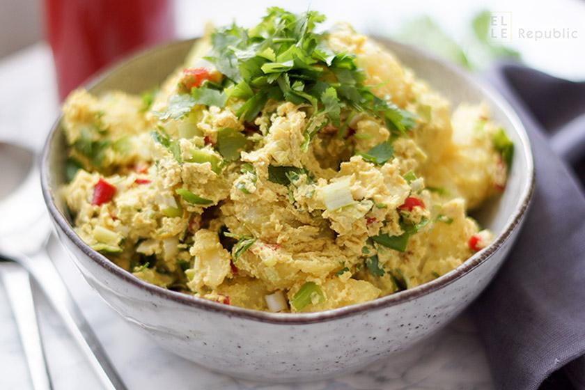 Tahini Curry Kartoffelsalat mit Koriander, Zitrone. Indisch, orientalisch, vegetarisch