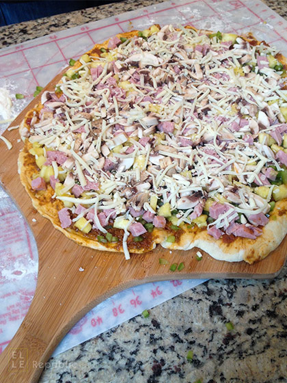 Pizza-Topping für Pizza auf dem Grill