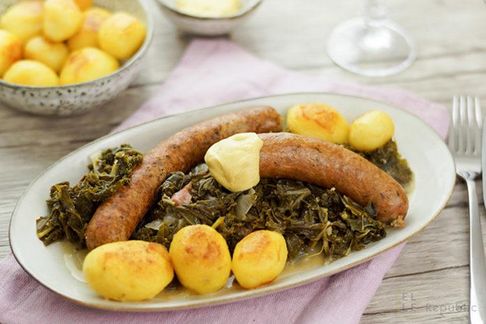 Grünkohl mit Pinkel, Kartoffeln, Schweineschmalz, Bauchspeck