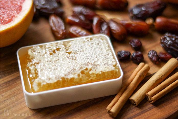 Honig, Datteln, Zimt, Obst als Alternativen zum Haushalts- Zucker