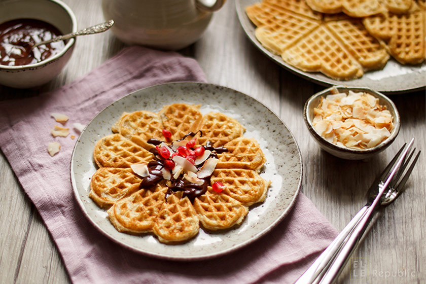Wholewheat Oatmeal Waffles with Buttermilk
