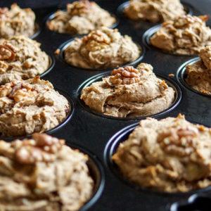 Bananen Muffins (vegan und glutenfrei) mit Chia-Samen, Quinoa-Mehl, Mandelmilch, Kakao Nibs