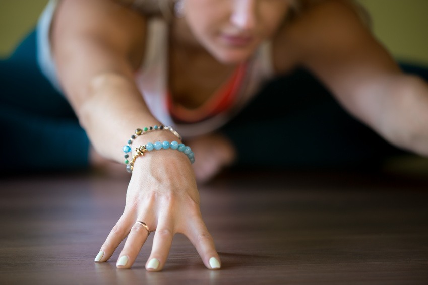 ins Yoga Studio, Sporty Butterfly Pose,