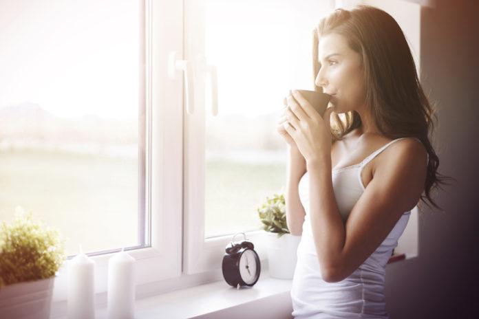 Morgenkaffee zum Entspannen und ruhig bleiben