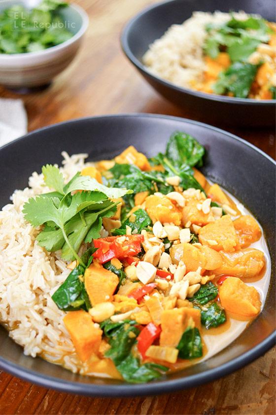 Rotes Thai Curry mit Süßkartoffeln Rezept