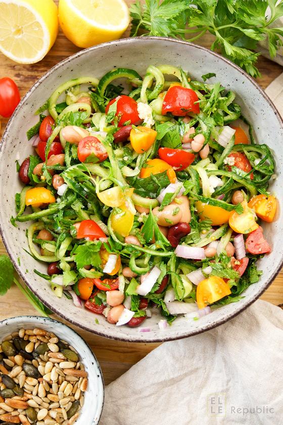 Bohnensalat mediterrane Art, Feuerbohnen, Kidney Bohnen, Kichererbsen
