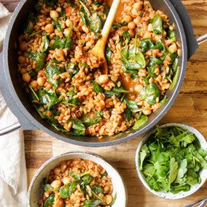 Gruenkern/Grünkern Pilaw mit Spinat und Kichererbsen Rezept