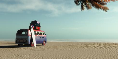 VW-Bus am Strand, Reisetipps für entspanntes Reisen