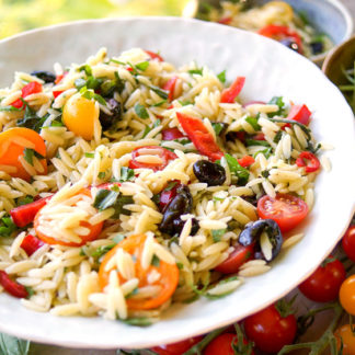 Orzo Salad with Cherry Tomatoes, Red Pepper and Olives