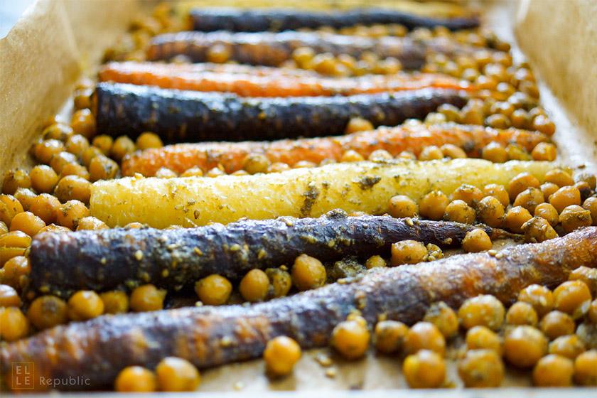 Geröstete Karotten (Möhren) und Kichererbsen mit Za'atar-Gewürz