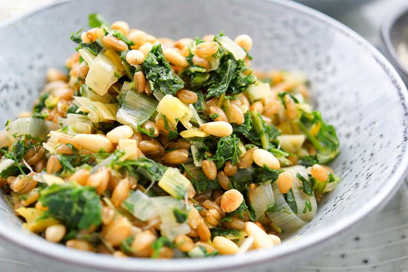 Dinkel-Risotto mit Lauch und Grünkohl, Vegan