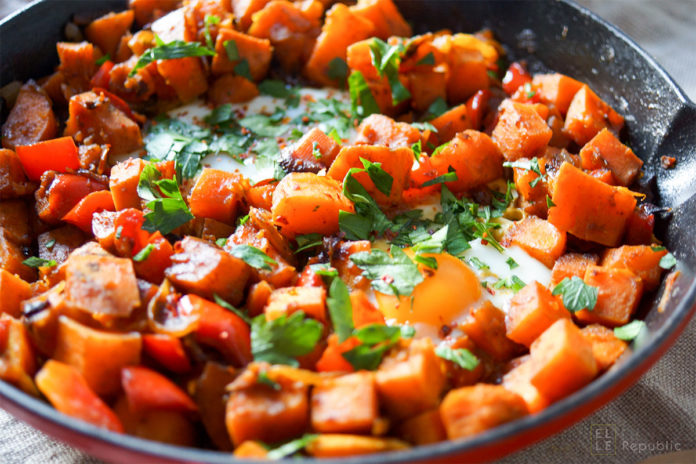 Süßkartoffel-Pfanne mit Ei, Brat-Süßkartoffeln, Gebratene Süßkartoffeln Rezept
