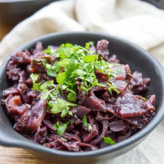 Rezept für Balsamico-Rotkohl mit Birne.