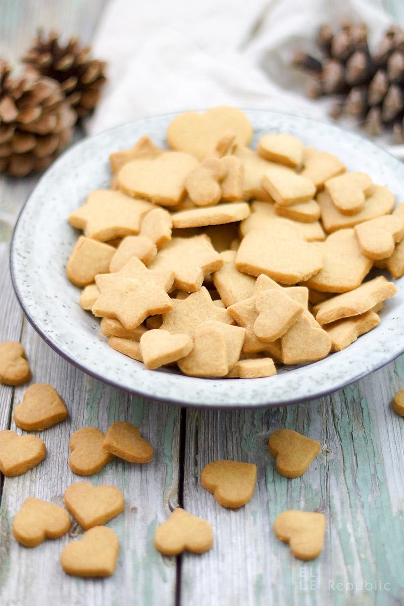 Dinkel-Butterkekse mit selbstgemachten Puderzucker aus GEPA Bio Vollrohrzucker, Weihnachtsplätzchen, gesunder Rezept