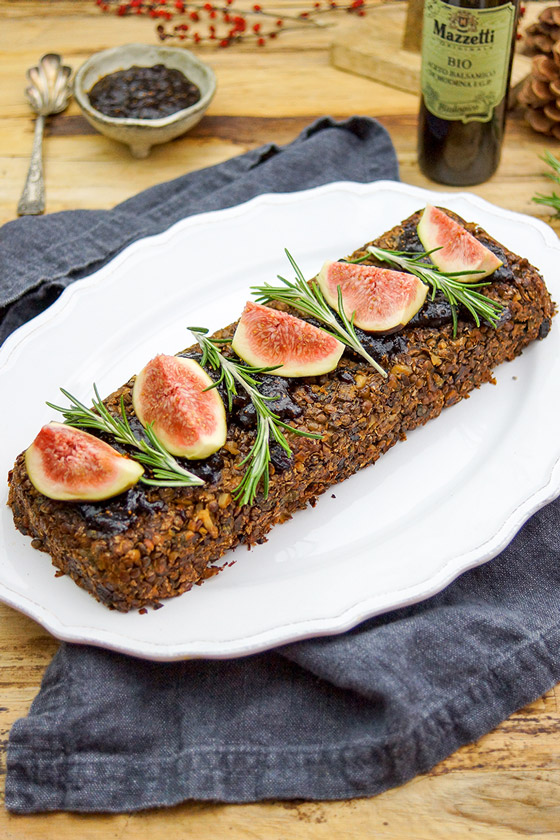 Veganer Nussbraten mit Linsen & Pilzen und Feigen Balsamico Soße, Mazzetti l'Originale