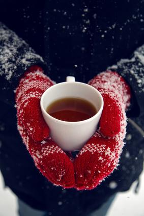Winter Handschuhe und Tee, Was tun um im Winter das Vitamin zu tanken