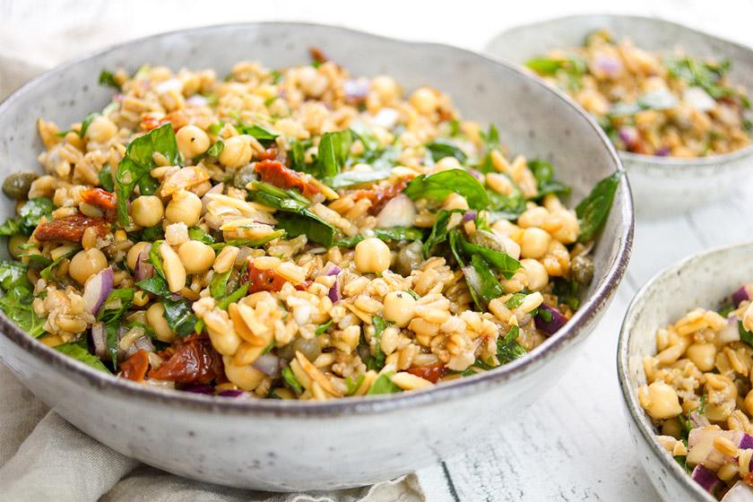 Mediterranean Grünkern and Chickpea Salad