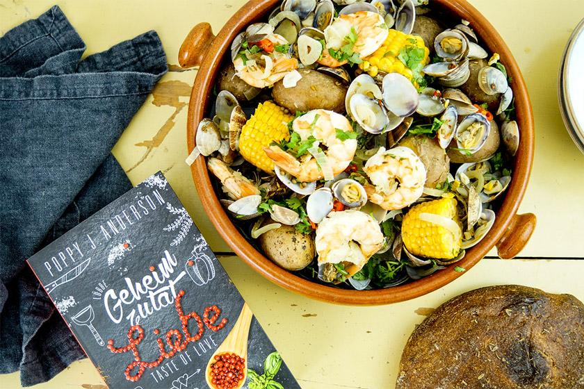 Clam Bake Rezept, Eintopf mit Garnelen und Venusmuscheln, Zuckermais und Kartoffeln, Taste of Love/Geheimzutat Liebe