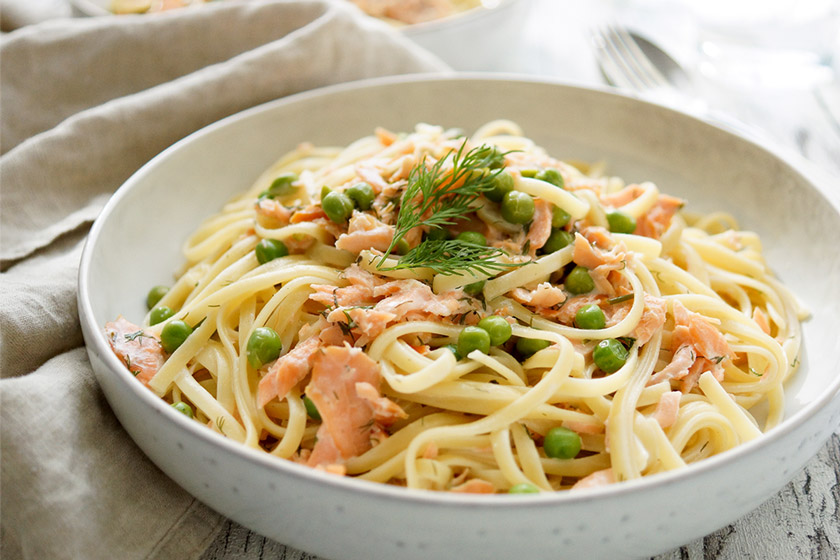 Creamy Smoked Salmon Pasta with PeasCrème Fraîche , Lemon uad Dill