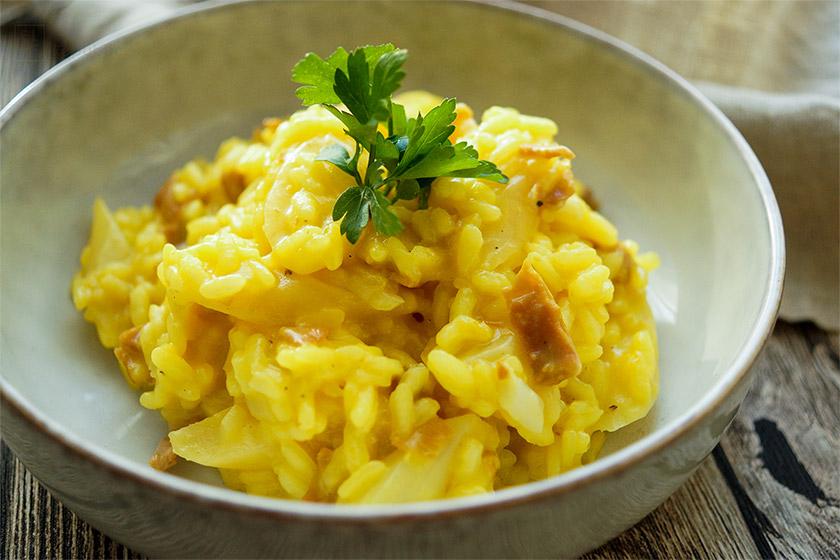 Ein einfaches Schwarzwurzel-Risotto Rezept mit Safran und Parmaschinken. Ein gesundes, leckeres, glutenfreis Gericht.