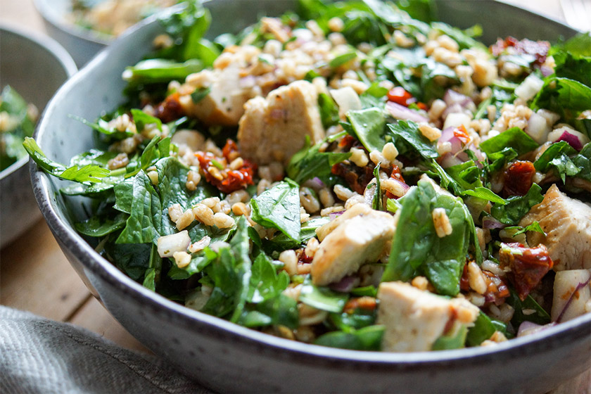 Spelt Salad with Chicken, Sun-dried Tomatoes and Almonds