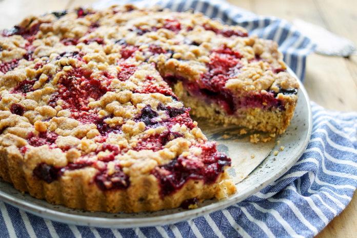 Streuselkuchen Mit Beeren Rezept Elle Republic Einfach Gesund