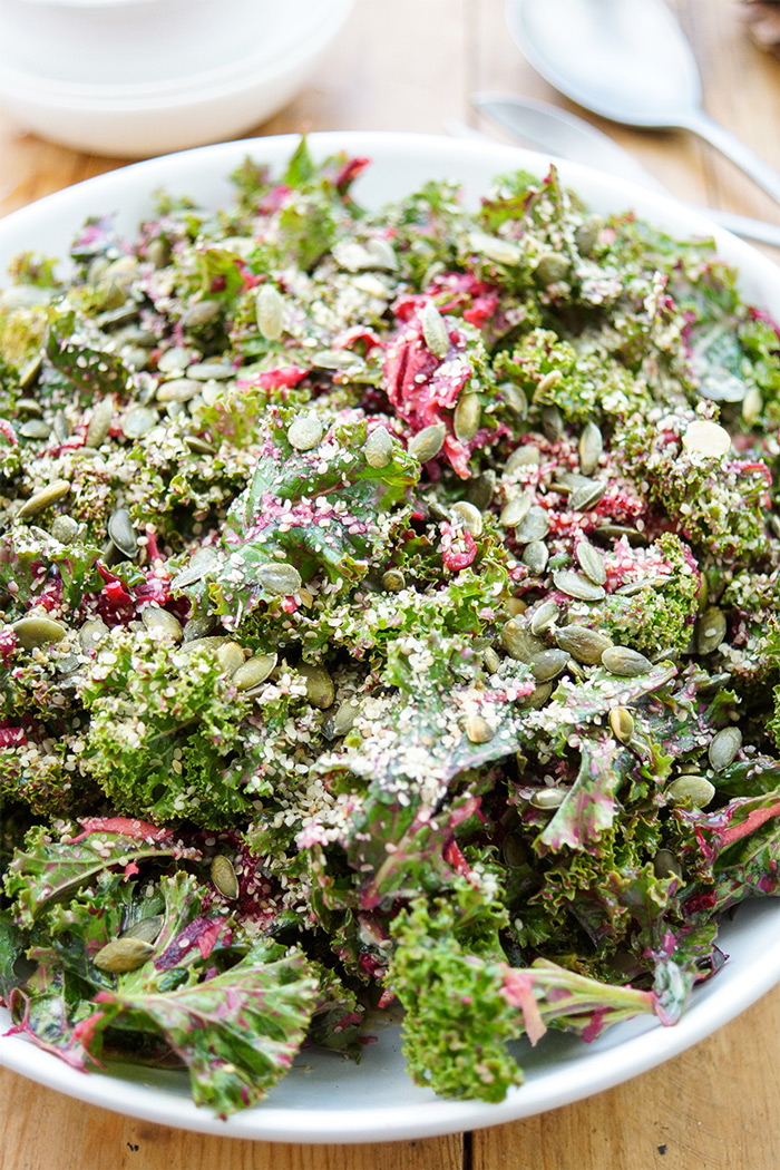 EinfacherSimple Kale Salad with Lemon-Tahini Dressing