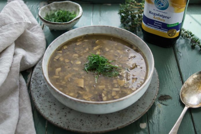 Champignonsuppe mit Steinpilze und Kartoffeln Rezept (vegan)