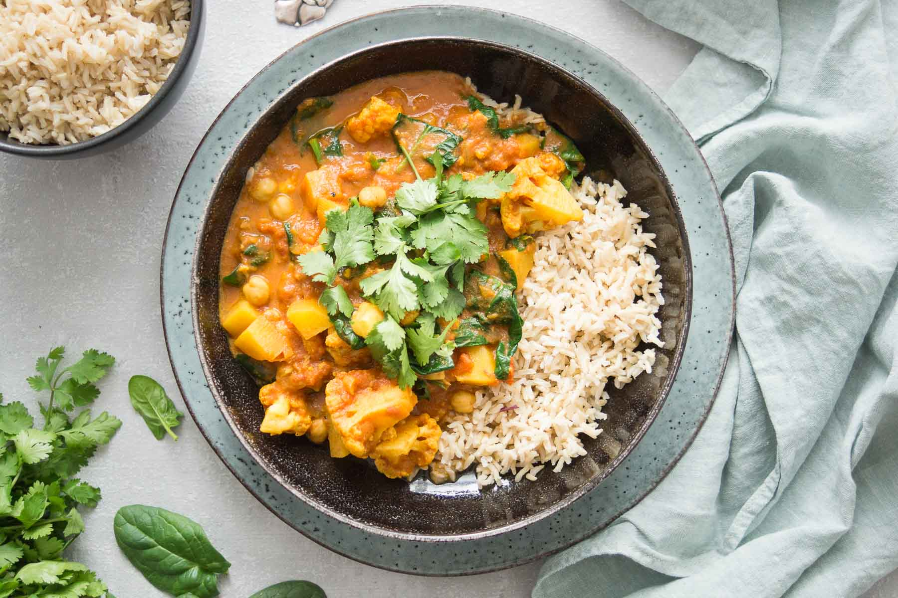 Cauliflower and Potato Curry with Chickpeas and Spinach, vegan recipe,